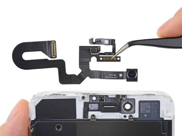 Thay cảm biến Iphone 8 plus