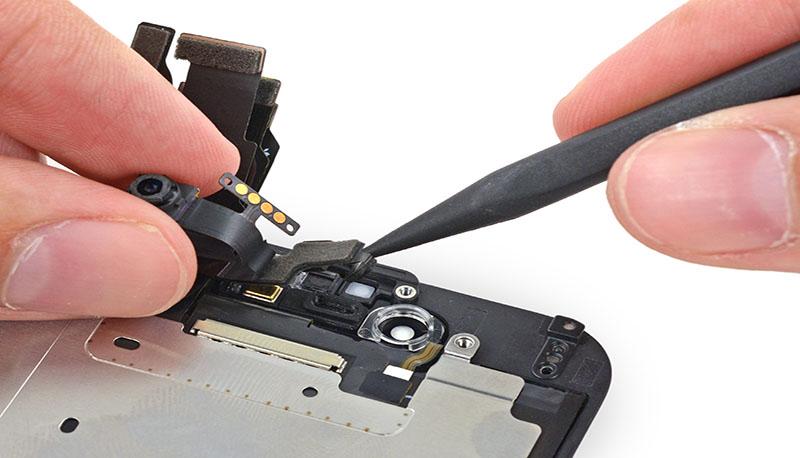 Thay camera trước iPhone 4