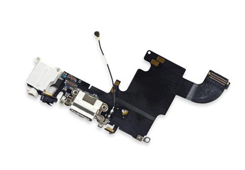 Thay cáp sạc iPhone 6S – thay dây cáp sạc