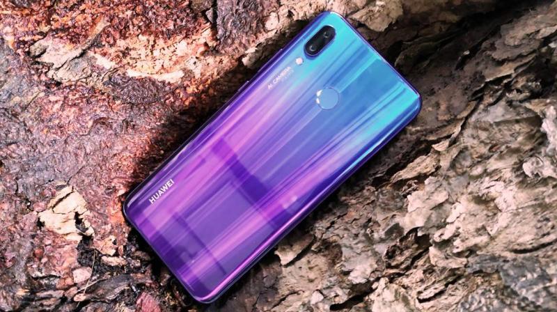 Huawei Nova 3: Khắc phục tình trạng nóng máy trên thiết bị