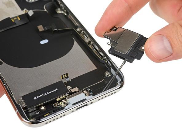 Thay loa ngoài iPhone XS MAX giá rẻ, uy tín tại TpHCM - Bạch Long Care