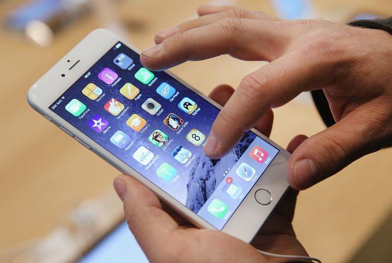 """Cách giúp iPhone của bạn hết  """"đơ"""" sau một thời gian dài sử dụng"""