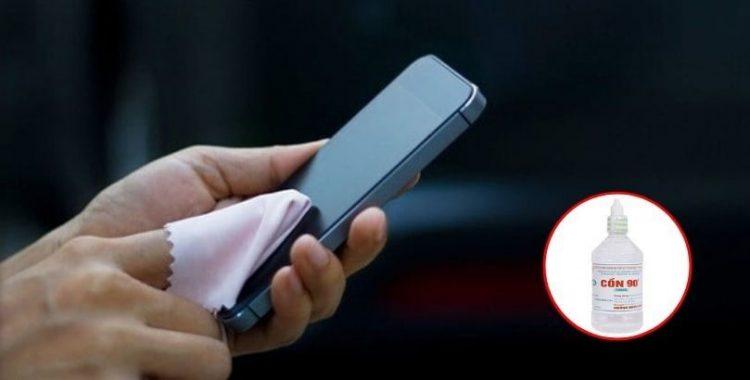Cách vệ sinh điện thoại để phòng tránh mầm bệnh