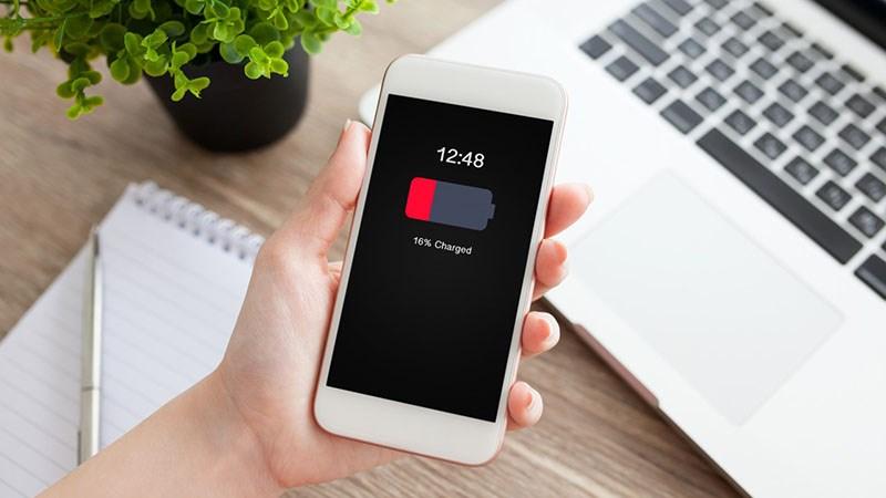 Cách giúp bạn xả pin điện thoại để tăng thời hạn sử dụng