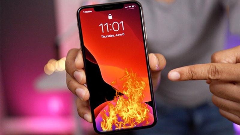 Người dùng iPhone bản iOS 14 than trời vì máy nóng, tụt pin nhanh, cách khắc phục là đây